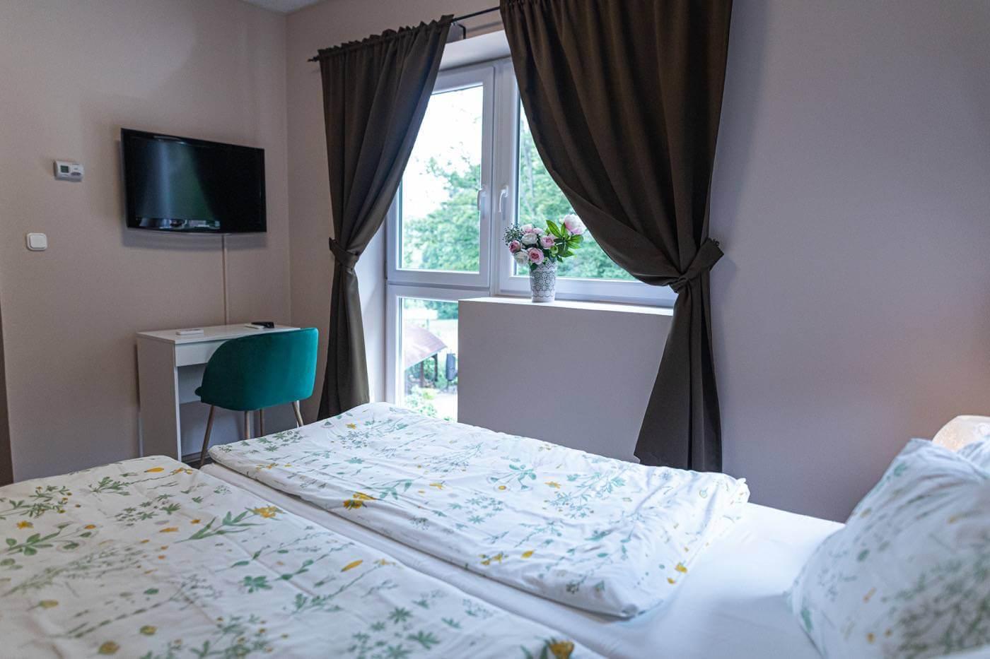 kétágyas bonnechance hotel szoba